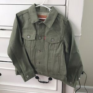 New with tags Levi's denim jacket size 8-10 years